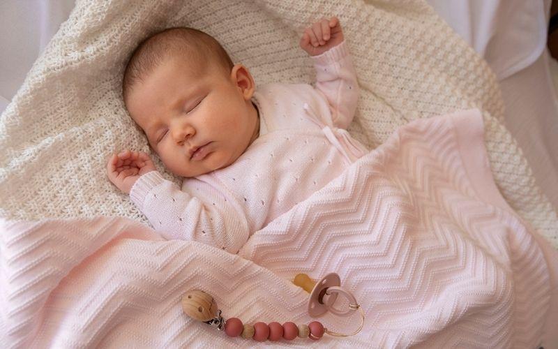 È  necessaria una copertina per neonato in estate?
